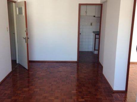 Apartamento 2 Dormitorios, Cocina Con Terraza Lavadero!!!!!!
