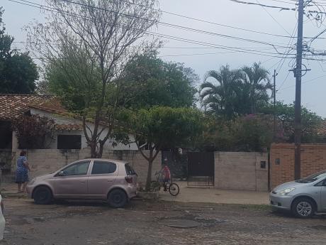 Vendo Casa A Reciclar En Barrio Jara Z. Zamphiropolos