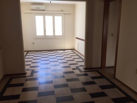 Muy Buen Apartamento A Pasitos De La Rambla