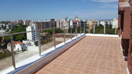 Penthouse Con Parrillero En Piso Alto, Proximo Al Ombu!!!! Uno Por Piso