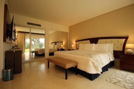 Departamento De Lujo  Amoblado En Hotel Los Tajibos