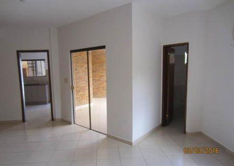 Alquilo  Duplex En Condominio Cerrado. A 1 Cuadra De Aviadores, Y A 2 De Mdme Linch.