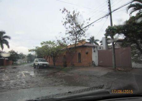 Vendo Dos  Chalets Pareados En Esquina,( No Son Duplex) ... Barrio Mburucuya...