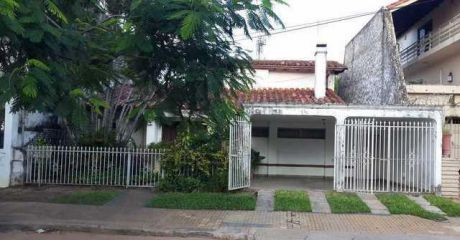 Vendo Casa En Carmelitas, A 2,5 Cuadras De España