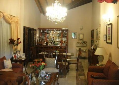 AsunciÓn / Hipodromo - Hermosa Residencia / Casa De 6 Dormitorios