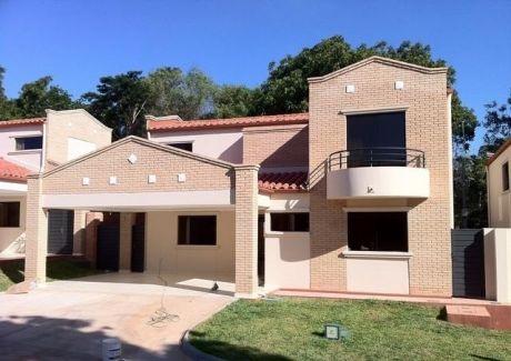 Vendo  Hermosa Residencia Con Piscina En Condominio Boulevard