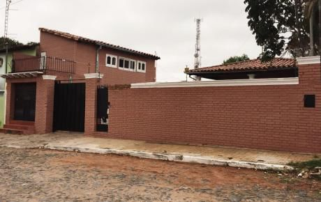 Vendo Amplia Casa Zona Club Olimpia 711 M2