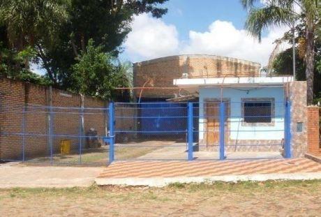 Alquilo Tinglado De 264 M2 Mas Oficina En Fernando De La Mora Zona Sur.