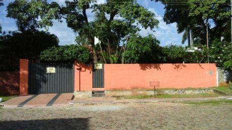 Una Casa En Mburucuya A Una Cdra De Santisima Trinida