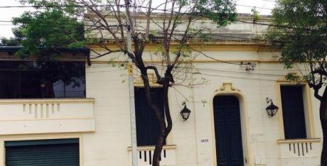 Casa Tipo Colonial Sobre Mcal Estigarribia Ideal Para Oficinas