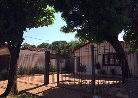 Vendo Hermosa Casa Refaccionada En Mburucuya A Dos Cdras De Primer Presidente