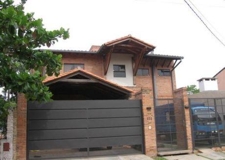 Vendo Casa Zona Mburucuya En Excelente Localidad
