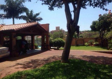 Ofertaa Vendo Residencia En El Corazon De Carmelitas Ubicada En Esquina