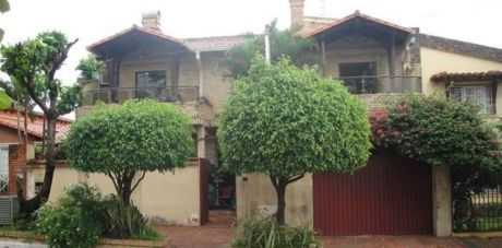 Vendo Hermosa Casa De Dos Plantas En LambarÉ
