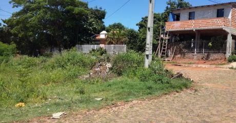 Oferto Terreno 15x24 En Fndo De La Mora Zona Sur