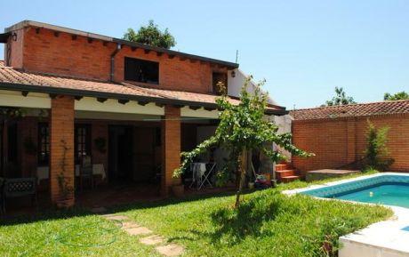 ***increible Casa En Lambare A Precio De Duplex***