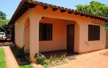 *** Super Casa A Precio De Duplex - Zona Pinedo - San Lorenzo ***