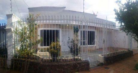 Alquilo Casa De 3 Dormitorios; Fernando Zona Sur - A Pasos De 11 De Setiembre