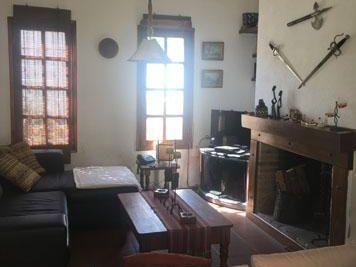 Hermosa Casa Esquina En Las Toscas De 2 Dormitorios Con Piscina
