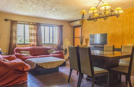 Apartamento De 4 Dormitorios En Aguada