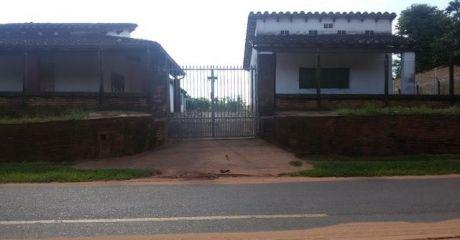 Vendo Casa Sobre Asfalto De 720 M2.