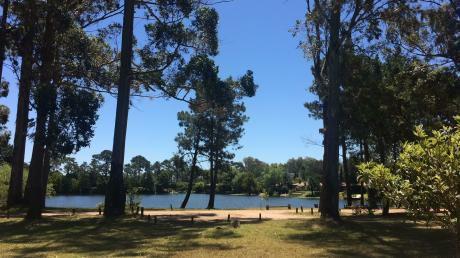 Vendo Casa En Complejo Privado Con Parque Y Lago