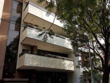 Capital Vende/alquila Departamento De 3 Habitaciones En Suite.