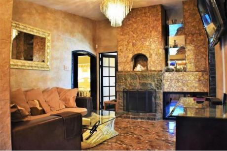 Venta De Casa 3 Dormitorios + Local Comercial, En El Pinar, Canelones