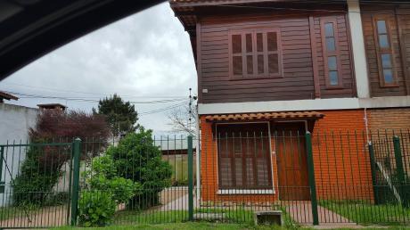 Casa Tipo Duplex En Salinas, Canelones