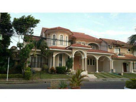 Vendo Hermosa Casa - Zona Norte