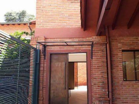 En Alquiler!!! Duplex De 3 Dormitorios Con Patio. Zona Dylan.