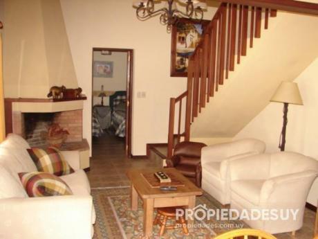 Casa En Alquiler De 2 Dormitorios - 2 Baños En Punta Del Este