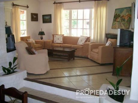 Casa En Alquiler De 2 Dormitorios - 2 Baños En La Barra