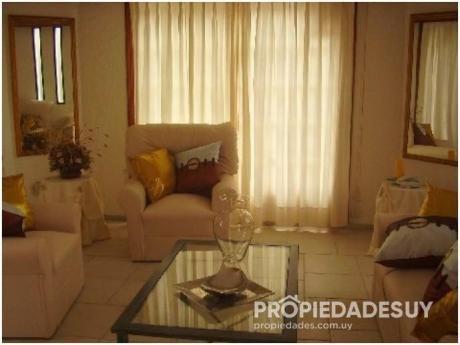 Casa En Alquiler De 3 Dormitorios - 3 Baños En Punta Del Este