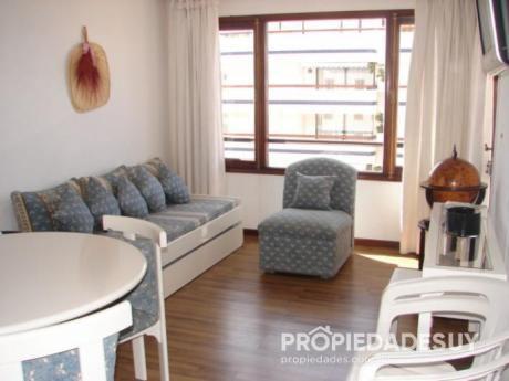 Departamento En Alquiler De 1 Dormitorio - 1 Baños En Punta Del Este