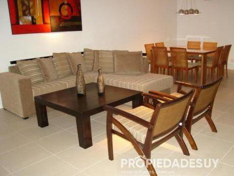 Departamento En Alquiler De 2 Dormitorios Y Dep. Servicio - 4 Baños En Punta Del Este