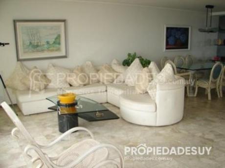 Departamento En Alquiler De 3 Dormitorios Y Dep. Servicio - 3 Baños En Punta Del Este