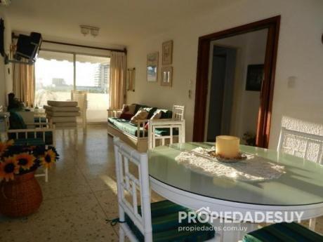 Departamento En Venta De 2 Dormitorios - 3 Baños En Punta Del Este