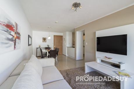Departamento En Alquiler Y Venta De 2 Dormitorios - 2 Baños En Punta Del Este