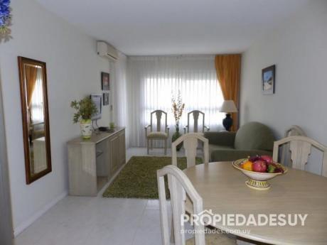 Departamento En Alquiler Y Venta De 2 Dormitorios - 1 Baños En Punta Del Este