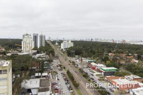 Pni - Departamento En Alquiler Y Venta De 3 Dormitorios - 2 Baños En Punta Del Este