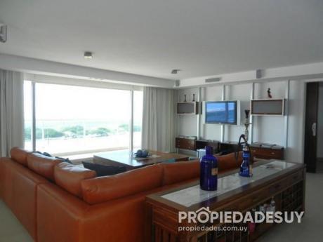 Departamento En Alquiler Y Venta De 5 Dormitorios Y Dep. Servicio - 6 Baños En Punta Del Este