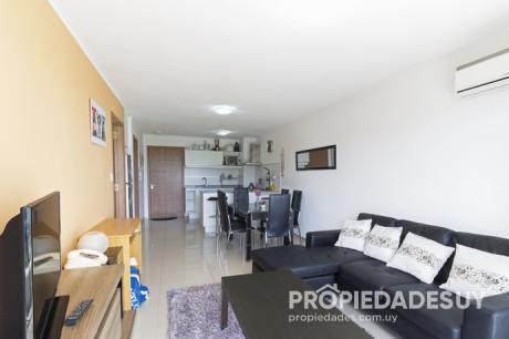Departamento En Venta De 1 Dormitorio Y Medio - 1 Baños En Punta Del Este