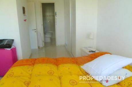 Pni - Departamento En Venta De 2 Dormitorios - 2 Baños En Punta Del Este