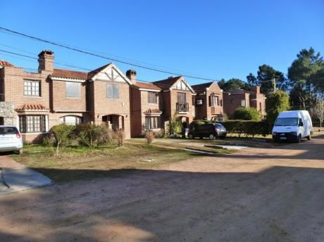 Barrio Jardín - Muy Lindo Entorno - Con Renta
