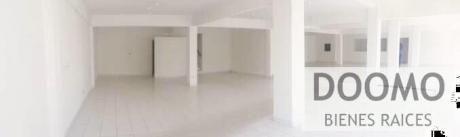 Edificio Completo Con Show Room, Oficinas, Depósitos Y Estacionamiento!!