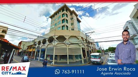 Departamento En Edificio El Canciller ( C/oruro Esq Ballivian)