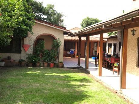 Casa En Venta En Av. Virgen De Cotoca Entre 2ndo Y 3er Anillo