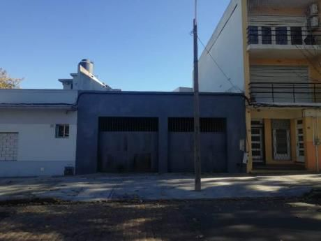 Deposito, Garaje, Local Comercial A 15 M De Amezaga Por Martin C. Martinez