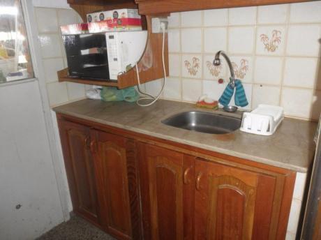 Apartamento, 2 Dormitorios , 1 Baño En Punta Carretas